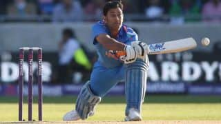 MS Dhoni's gamble backfires on India