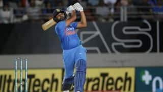 टी20 अंतर्राष्ट्रीय में 100 छक्के लगाने वाले पहले भारतीय बने रोहित शर्मा