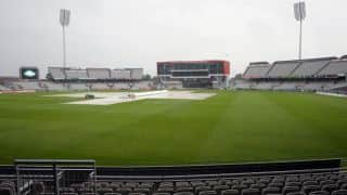 India vs England 2014, 4th Test at Manchester: Drizzle at Old Trafford delays start of play