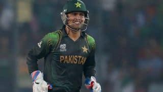Pakistan should relinquish Umar Akmal from wicketkeeping duties, says Kamran Akmal