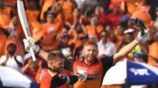 बेयरस्टो-वार्नर का आतिशी शतक, नबी का 'चौका', हैदराबाद ने बैंगलुरू को 118 रन हराया