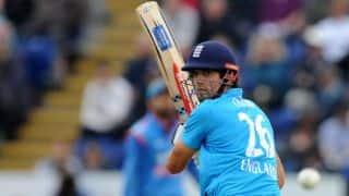 India vs England 2014, 4th ODI at Edgbaston: Alex Hales dismissed early by Bhuvneshwar Kumar