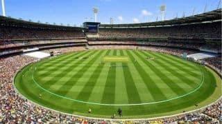 क्रिकेट मैदान पर रखा गया 2 मिनट का मौन, जानिए क्या थी वजह?