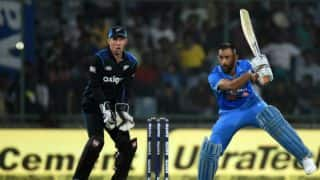 IND vs NZ 2nd ODI: Dhoni, Akshar, Mishra dismissed in quick succession