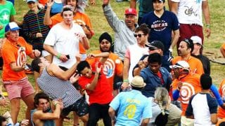 Fan wins $100,000 after taking a spectacular catch