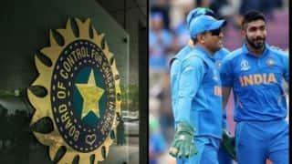 ICC के बलिदान चिन्ह हटाने के फैसले पर धोनी के समर्थन में उतरा BCCI