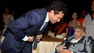 Sachin Tendulkar bids tearful adieu to childhood coach Ramakant Achrekar