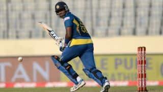 Sri Lanka struggle in run chase against South Africa in 3rd ODI