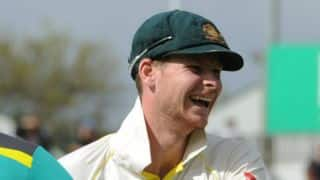 Video: Smith's hilarious reaction to Bancroft's on-field wardrobe malfunction
