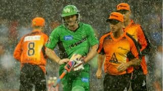 Big Bash League 2012-13: Melbourne Stars beat Perth Scorchers from the pavilion