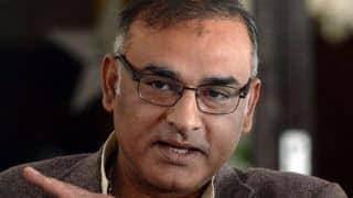 Aamer Sohail unimpressed with Pakistan dissolving department cricket teams