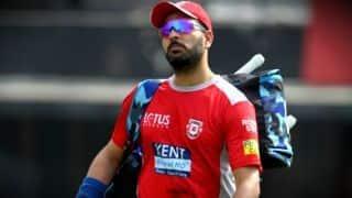 किंग्स इलेवन पंजाब की टीम से भी बाहर हुए युवराज सिंह