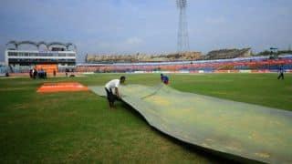 Ranji Trophy 2013-14 semi-final: Karnataka 176 ahead; Karun Nair completes his 150