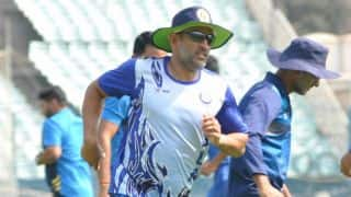 Dhoni bowls, chats with teammates during nets ahead of Vijay Hazare Trophy tie