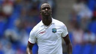 West Indies v England 2nd Test day two: Kemar Roach takes 4 wicket, England all out for 277