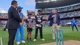 2nd T20I: Unchanged New Zealand bat against unchanged India