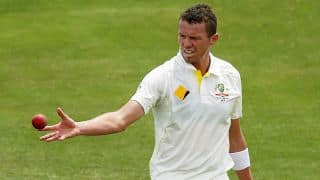 Peter Siddle wishes Ryan McLaren well