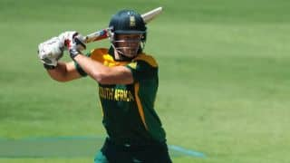 Ram Slam Twenty20 Final: Jacques Kallis takes four wickets to restrict Dolphins to 146/8