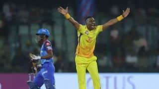 Dwayne Bravo's 3/33 limits Delhi to 147/6