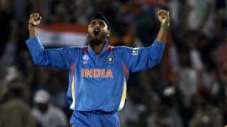 Harbhajan Singh gave a perfect reply to an IPS officer over selection of Muslim players in Team India
