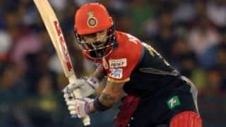 Virat Kohli dismissed for 54 by Barinder Sran against SRH in IPL 2016 Final