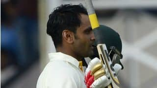 Mohammad Hafeez dismissed for 98 at tea against England at Abu Dhabi