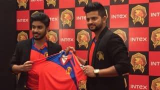 Suresh Raina unveils Gujarat Lions official team jersey