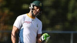 Du Plessis battles shoulder strain ahead of historic 4-day Test vs ZIM
