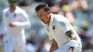 I think Dale Steyn is targeting fourth Test against Australia to be available, says Greame Smith