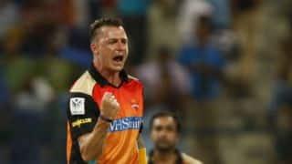 Delhi Daredevils 20/0 in 3 overs against Sunrisers Hyderabad