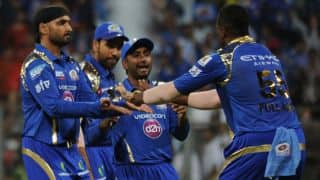 Mumbai Indians comeback with quick wickets against Sunrisers Hyderabad in Match 23 of IPL 2015