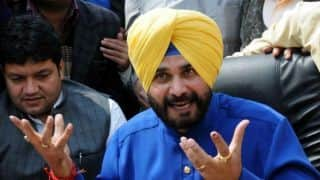 Imran Khan calls up Navjot singh Sidhu, invites him to swearing-in ceremony