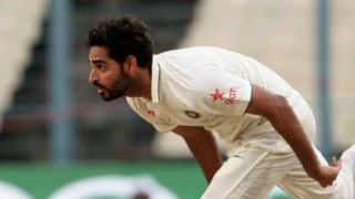 लाल कूकाबूरा गेंद से गेंदबाजी करना बड़ी चुनौती होगी: भुवनेश्वर कुमार