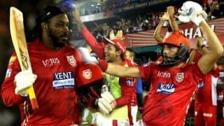 IPL 2018: क्रिस गेल की सेंचुरी पर युवराज ने किया जमकर डांस