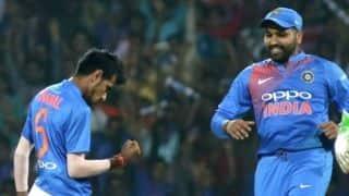 ऑस्ट्रेलिया के खिलाफ मोहाली वनडे में चार बदलाव के साथ उतरी टीम इंडिया