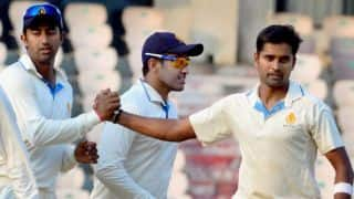 Irani Trophy 2013-14: Rest of India rattled by Karnataka seamers