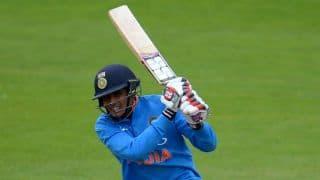 Twitterati hail India's ruthless show against Pakistan