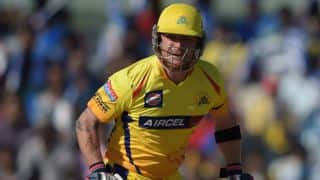 Brendon McCullum falls for 20 against Royal Challengers Bangalore in Match 37 of IPL 2015