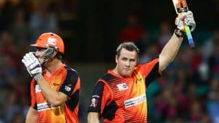 Perth Scorchers win thriller against Sydney Sixers to qualify for Big Bash League 2014 final