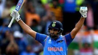 रोहित शर्मा ने दिनेश कार्तिक से बल्ला मांग कर खेली थी सबसे बड़ी पारी
