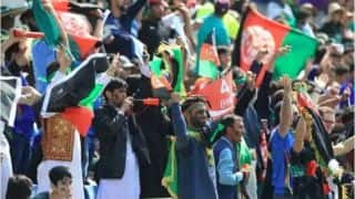 विश्व कप मैच के दौरान आपस में भिड़े अफगानिस्तान और पाकिस्तान के फैंस