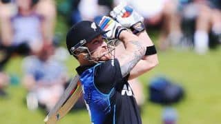 Brendon McCullum dismissed by Liam Plunkett; New Zealand 62/1 after 8 overs