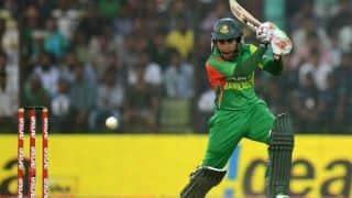 Mushfiqur, Mominul steady Bangladesh