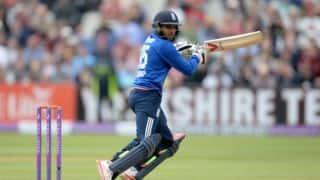 England vs Australia 2015, 2nd ODI at Lord's: Hosts on the verge of defeat after Adil Rashid's dismissal