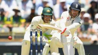 Australia strike at the stroke of lunch; England 91 for 2