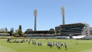 Ashes 2013-14: Ian Ward looks back on the events that transpired on Day 1 at Perth