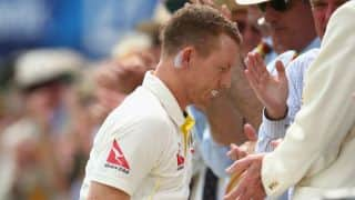 Chris Rogers walks off field dazed on Day 3 of 2nd Ashes 2015 Test at Lord's