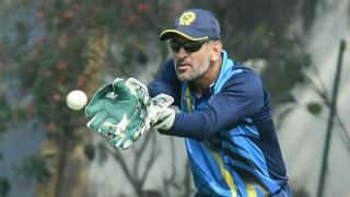 MS Dhoni registers police complaint after losing mobile phone in hotel fire