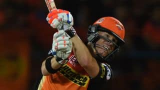 David Warner dismissed for duck by Ashok Dinda against RPS in IPL 2016