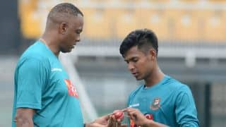 Courtney Walsh trying to bring the old Mustafizur Rahman back in action